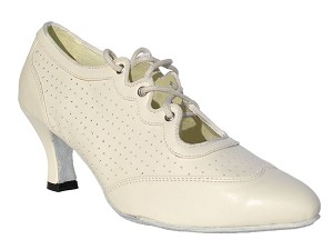 6823 Creamy White Leather
