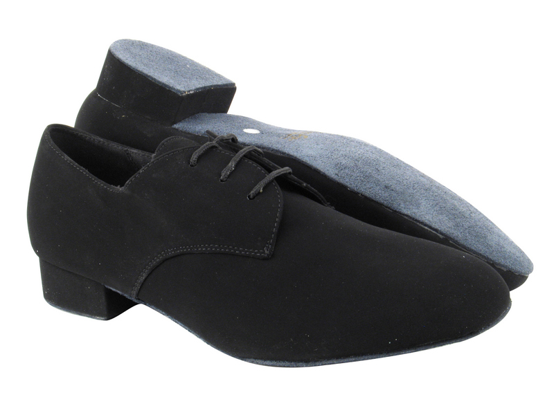 916103 136 Black Nubuck