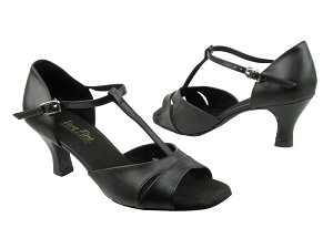 "1617 Black Leather_Whole Shoes with 2.5"" low heel in the photo"