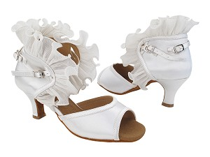 "SERA7013 White Satin_Whole Shoes with 2.5"" Heel (2040) in the photo"