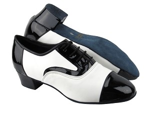 "916102 Black Patent_White Leather_L with 1.5"" Heel in the photo"